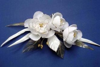 Немного о том, как выглядели первые искусственные цветы